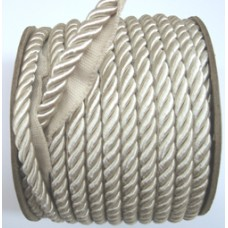 7024 405 - 7024 9mm Shiny piping Cord 15m