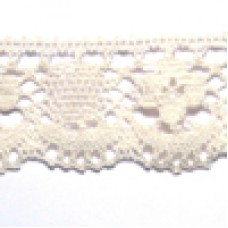 D1040 106 - 40mm Cotton lace on 25m cards natural